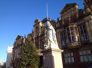 Primaria din Leamington Spa si statuia reginei Victori/Leamington Spa City Hall